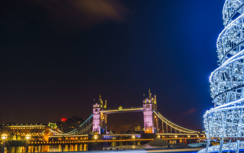 Helpful Tips For Tourists Who Are Travelling During Peak Holiday Season To London