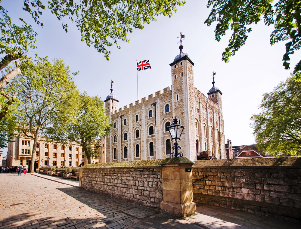 Explore the Beauty of London On a Walking Tour