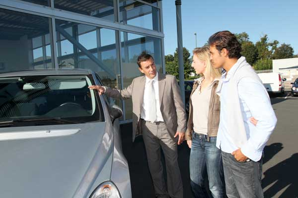 Buying a Used Vehicle to Travel the Country
