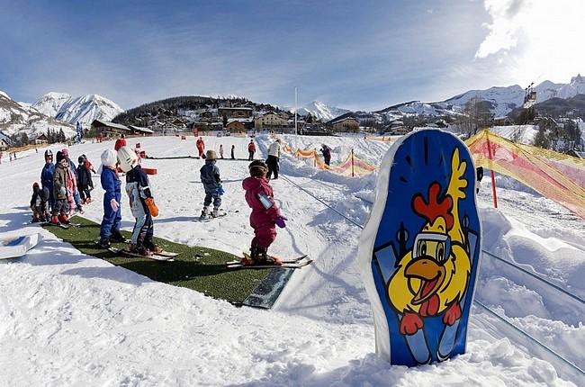 France, Provence-Alpes-Côte d'Azur, Alpes-de-Haute-Provence, Val D'Allos, Ski Resort Of Foux D'Allos, Kids Club