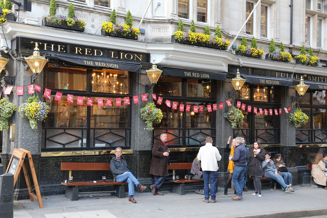 Red Lion Pub in London